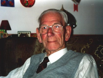 Poppa at Christmas 1999 (bit of a dodgy shot, think we took him by surprise *g*)